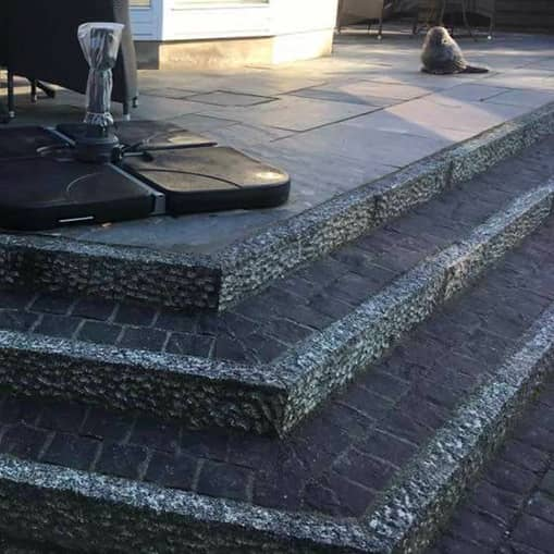 Byagers Brolægning lægger flotte terrasser