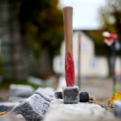 Hos Bygagers Brolægning varetager vi alle opgaver inden for brolægning og belægning